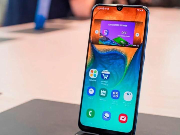 Yeni güncelleme Samsung Galaxy A30'da kulaklık ses kalitesini arttırdı
