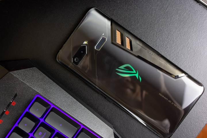 Asus ROG Phone 2 geliyor