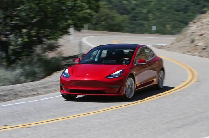 Fiat Chrysler, Avrupa Birliği'nden ceza yememek için Tesla ile anlaştı