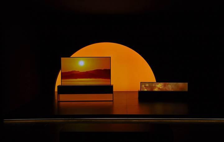 LG'nin kıvrılabilir OLED TV'si Milano Tasarım Haftası'nda boy gösterdi