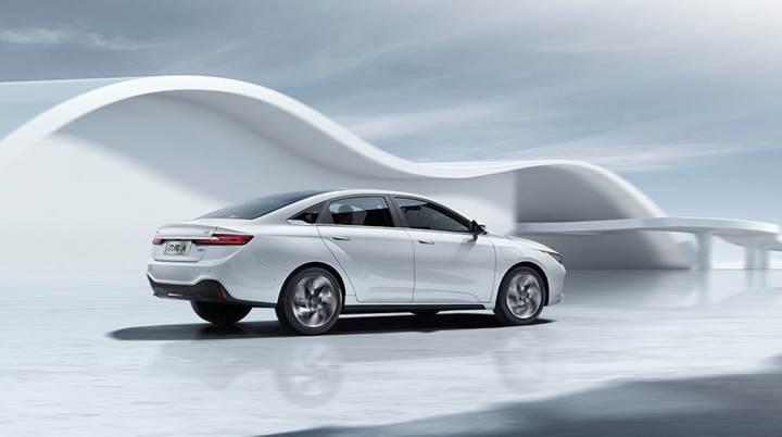 Geely, global pazarda satışa sunacağı elektrikli sedan modeli Geometry A'yı tanıttı