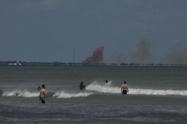 SpaceX'e büyük şok: Crew Dragon kapsülü paramparça oldu (Video)