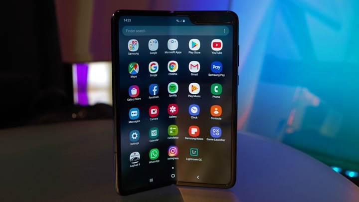 Galaxy Fold hakkında Samsung açıklaması: 'Ekranı güçlendirmek için önlemler alacağız'
