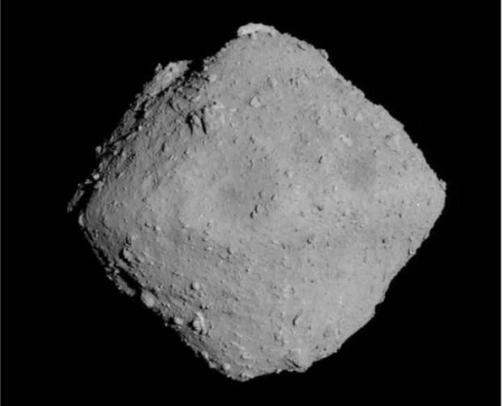 Japonya, asteroit yüzeyinde 'krater' oluşturdu: İşte fotoğrafı