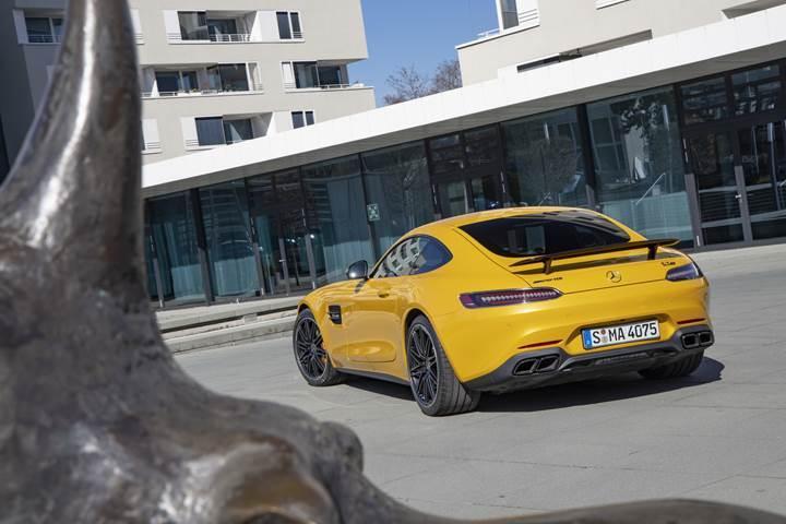 Mercedes-AMG arkadan itişe son veriyor: Tüm yeni nesil modeller 4WD olacak