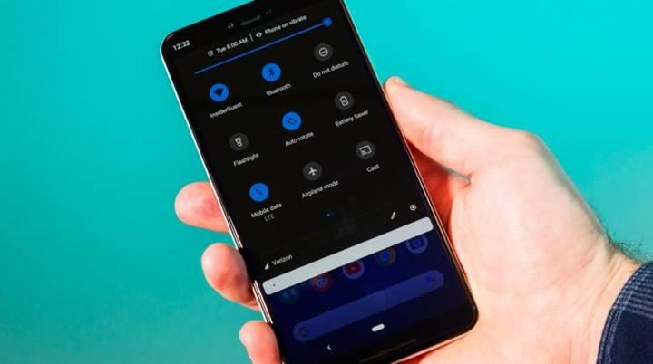 Android Q saate göre, gece ve gündüz moduna otomatik olarak geçebilecek