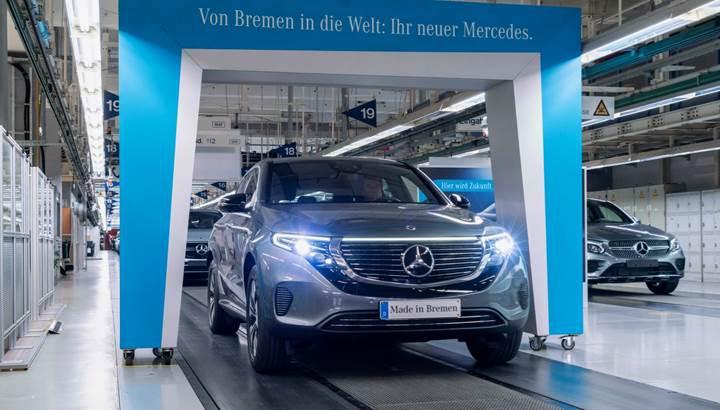 Mercedes-Benz'in elektrikli SUV'si EQC, üretime girdi