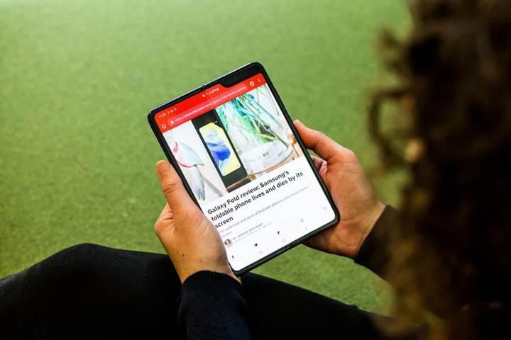 Google, katlanabilir akıllı telefon geliştirdiğini onayladı