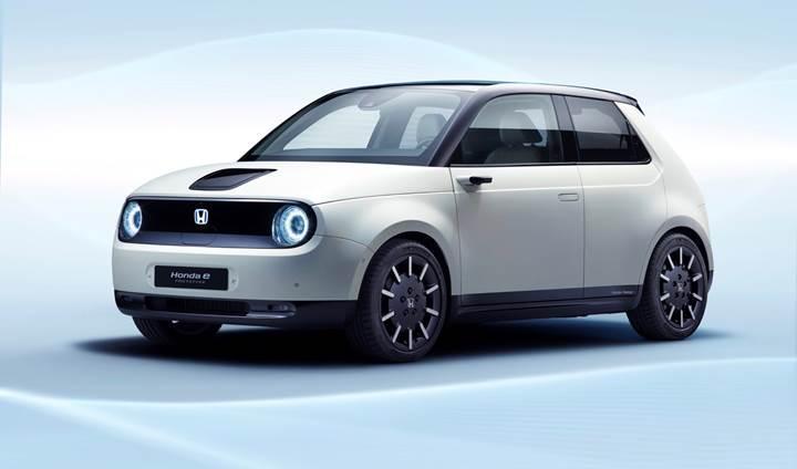 Honda, Avrupa'da çıkaracağı ilk elektrikli otomobilinin ismini açıkladı: Honda e