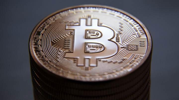 Bitcoin 7000$ sınırını geçti, piyasa hareketlendi