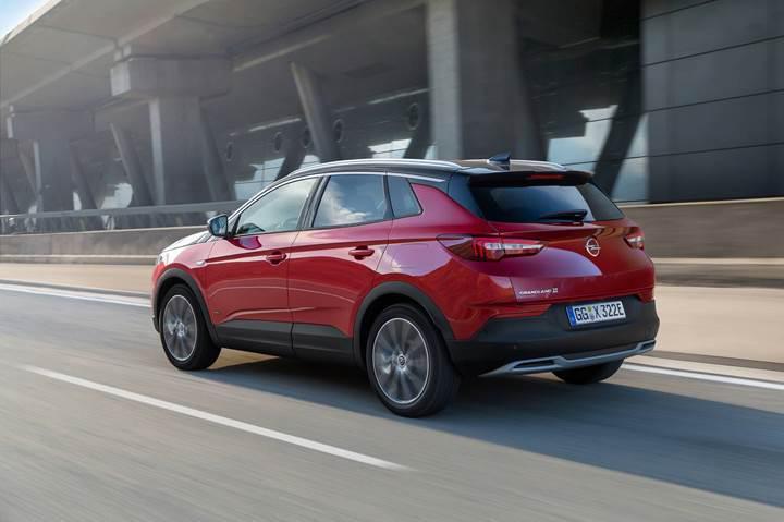 Opel Grandland X'in 300 beygirlik hibrit versiyonu tanıtıldı