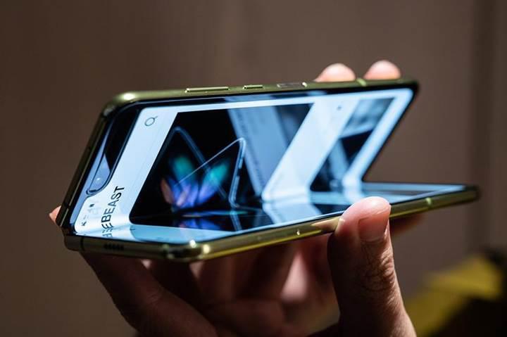 Samsung'un Galaxy Fold için yaptığı düzeltmeler