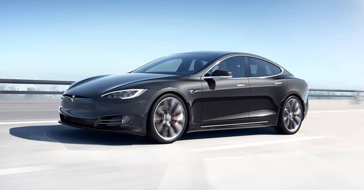 Tesla, park halindeyken yanan araçların ardından, yeni bir batarya güncellemesi yayınladı