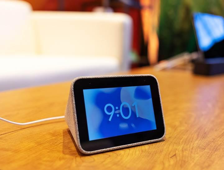 Lenovo'nun 4 inç ekranlı Google Asistan alarmı önümüzdeki ay satışta