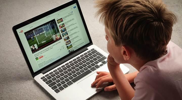 Youtube, küçük yaştaki kullanıcıların canlı yayın yapmasını yasakladı