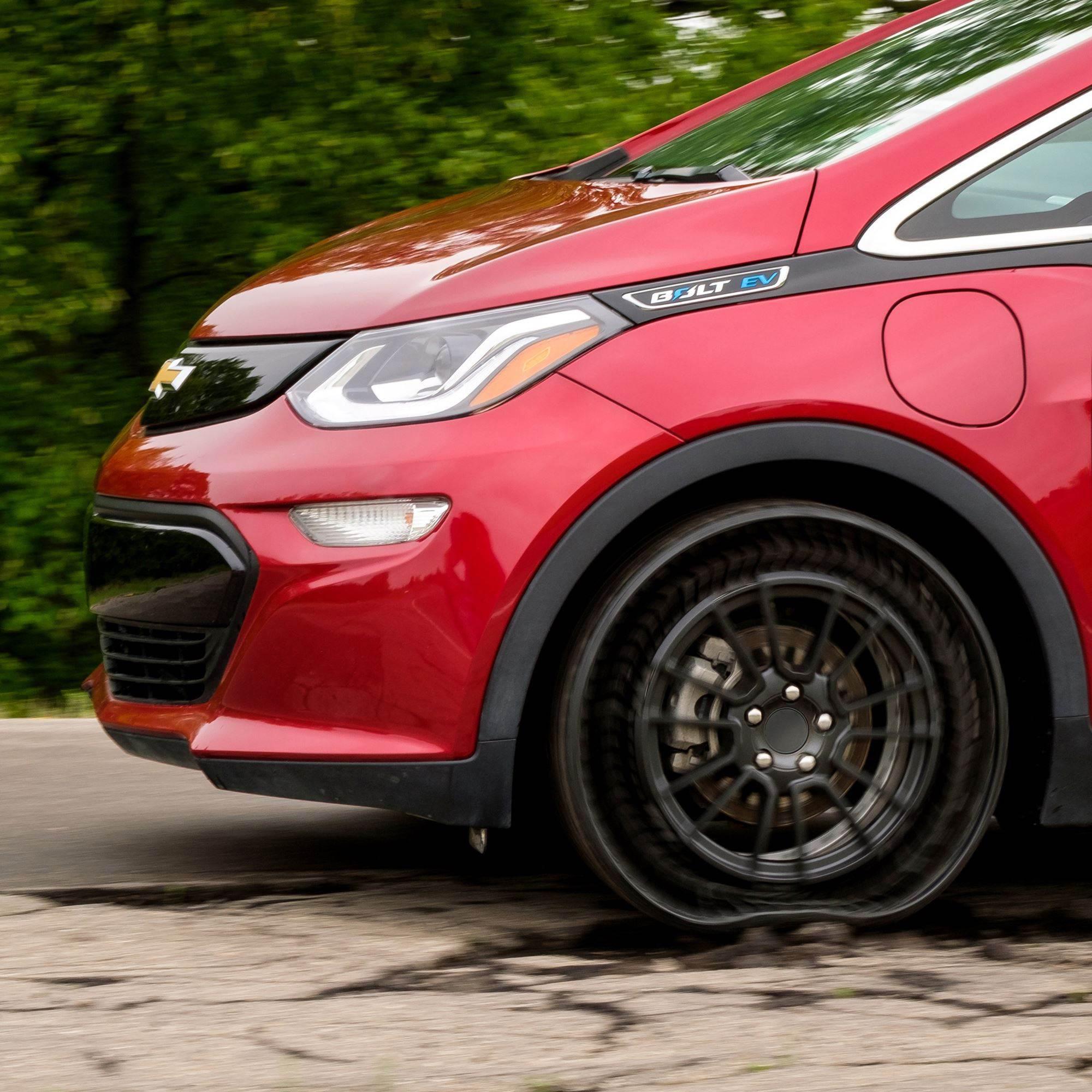 Otomobiller 'havasız lastik' teknolojisine kavuşuyor