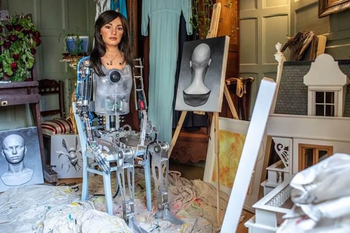 Robotların ürettiği sanat eserleri astronomik rakamlara satılıyor