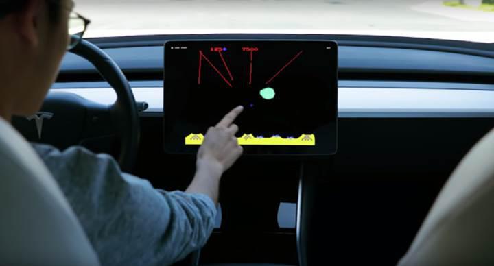 Elon Musk, Tesla araçlarda oynanabilecek yeni oyunların duyurusunu yaptı