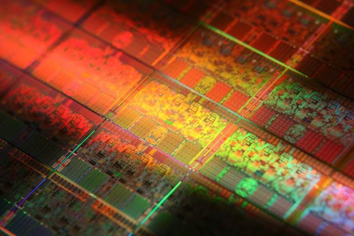 Intel üretim desteği için Samsung'un kapısını çaldı
