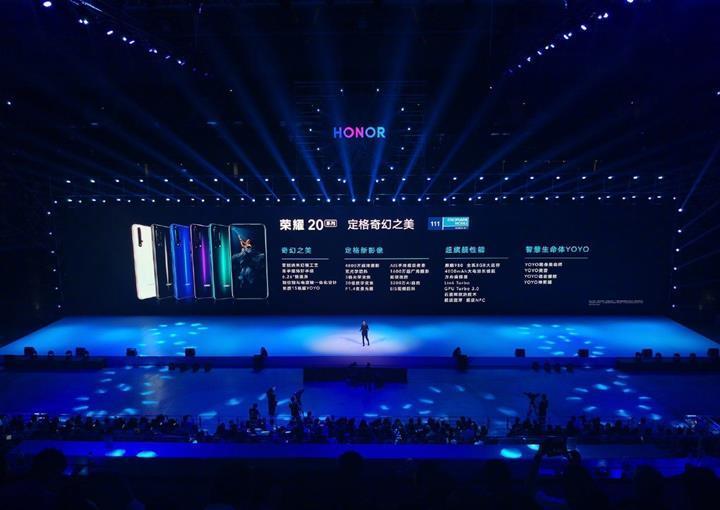 Honor ilk 5G özellikli telefonu için tarih verdi
