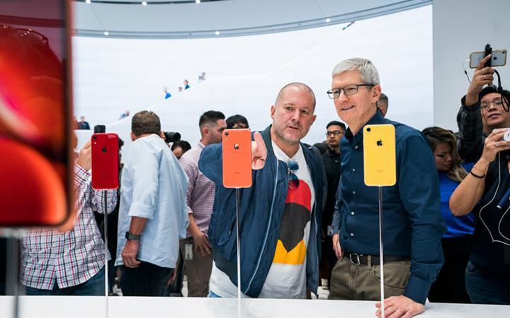 Apple'da büyük şok: iPhone'ların tasarımcısı Jony Ive şirketten ayrılıyor