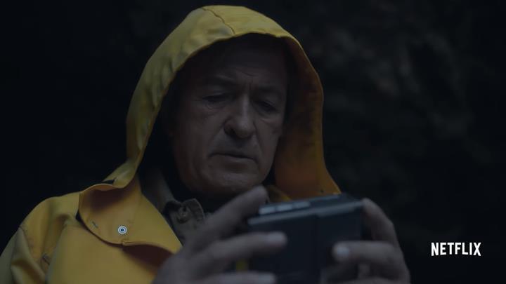 Netflix Türkiye'den zaman yolculuğu içeren Dark dizisi reklamı