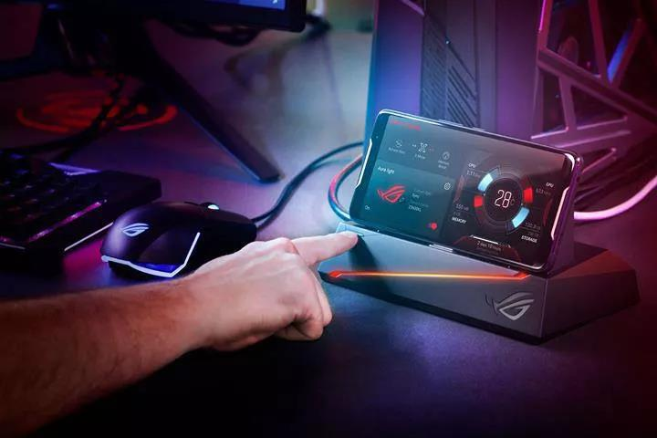 Asus ROG Phone 2'nin tanıtım tarihi açıklandı