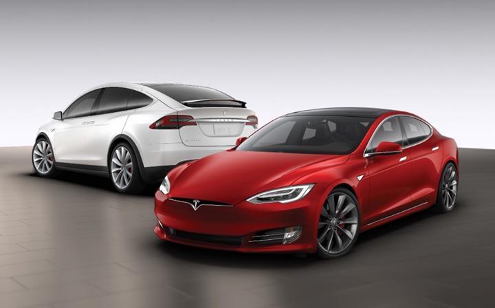 Tesla, Model S ve Model X'i yenilemeyi düşünmüyor