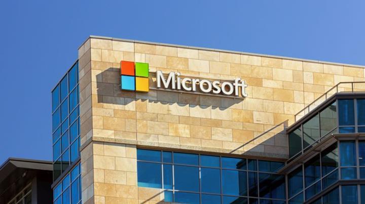 Microsoft, Çin'de donanım üretmeye devam edeceğini açıkladı