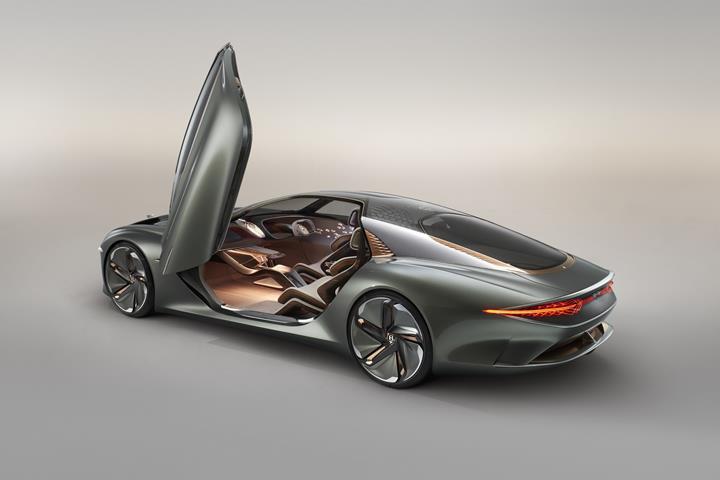 Bentley'in geleceğini gösteren elektrikli ve otonom konsept: EXP 100 GT