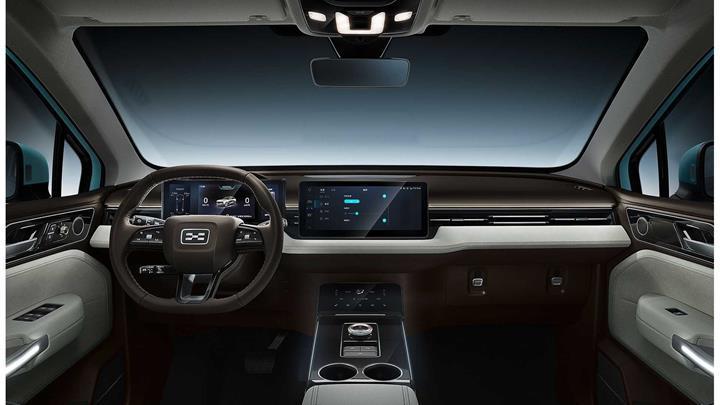 Avrupa'da satılacak ilk Çinli elektrikli araç, reklam için 14 bin km yol kat edecek