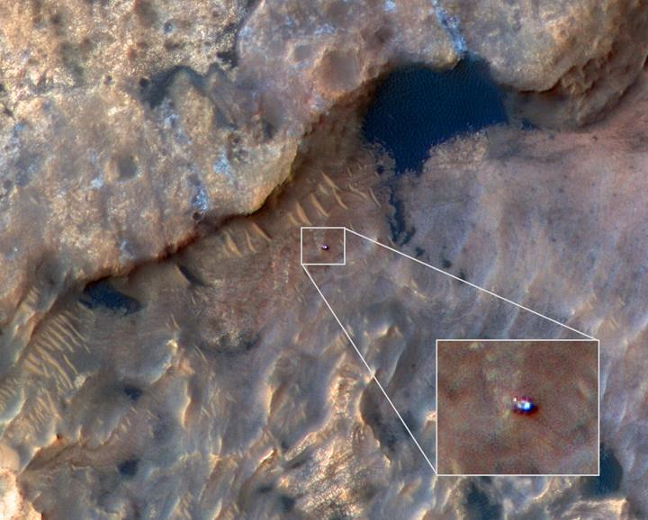 NASA'nın Mars'taki gözlem aracı Curiosity, uzaydan görüntülendi