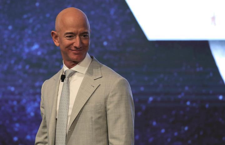 Jeff Bezos: Uzaya milyarlarca dolar harcıyorum çünkü Dünya'yı mahvediyoruz