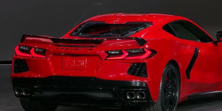 Ortadan motorlu yeni Corvette Stingray tanıtıldı