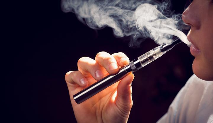Elektronik sigara tütün kullanımı azaltmakla birlikte tütün kullanımına yeniden başlama oranlarını artırıyor