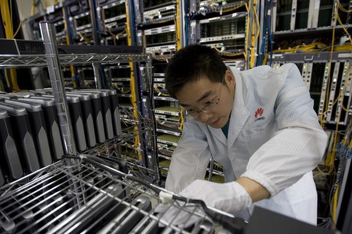 Huawei, Kuzey Kore'ye teknoloji transfer ediyor iddiası