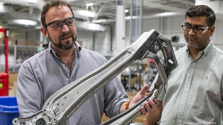 Apple otomobil projesi için eski Tesla mühendisini bünyesine kattı