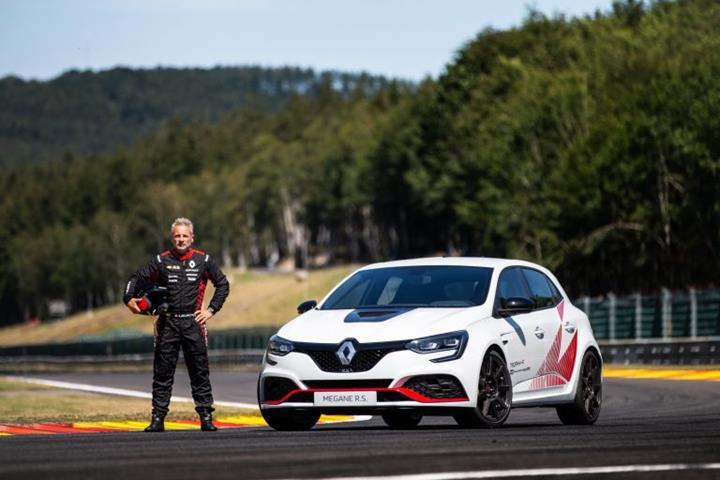 Megane RS Trophy-R, Honda Civic Type R'ın Belçika'daki rekorunu da kırdı