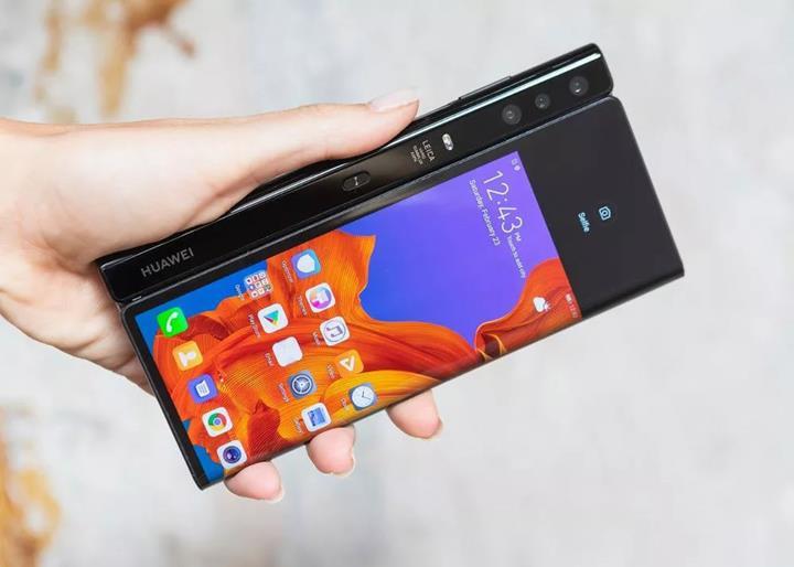 Huawei açıkladı: Katlanabilir telefonumuz piyasaya sürülmeye hazır değil