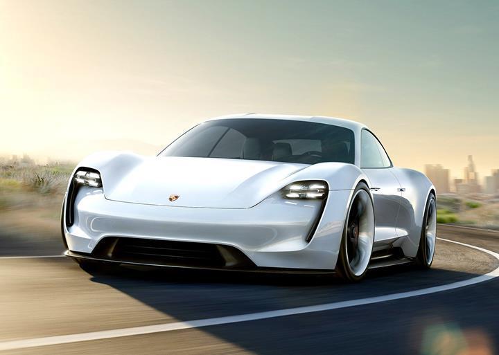Porsche'nin ilk elektrikli otomobili Taycan, 30.000 ön sipariş aldı