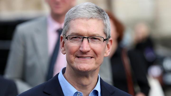 iPhone artık Apple gelirlerinin yarısından daha azını temsil ediyor