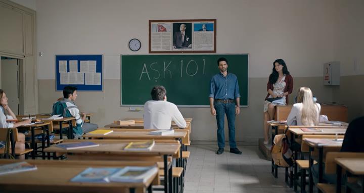 Netflix'in yeni Türk dizisi Aşk 101'in duyuru fragmanı yayınlandı