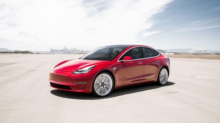 5 milyon euro'luk Tesla Model 3 siparişi, araçlardaki kusurlar nedeniyle iptal oldu