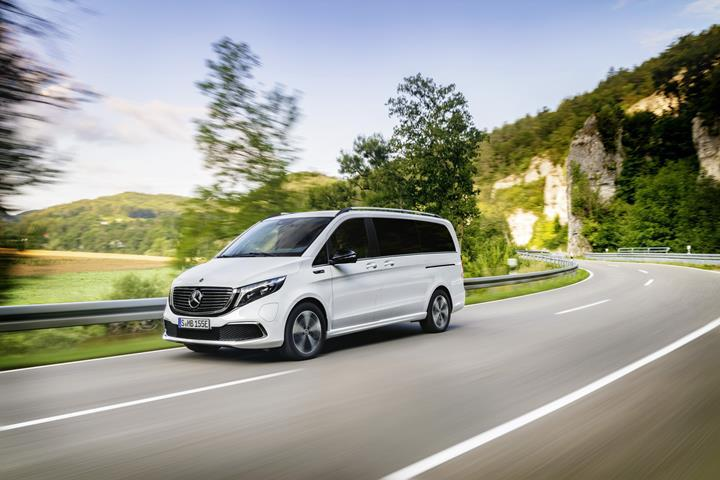 Elektriğe devam: 405 km menzilli Mercedes-Benz EQV tanıtıldı