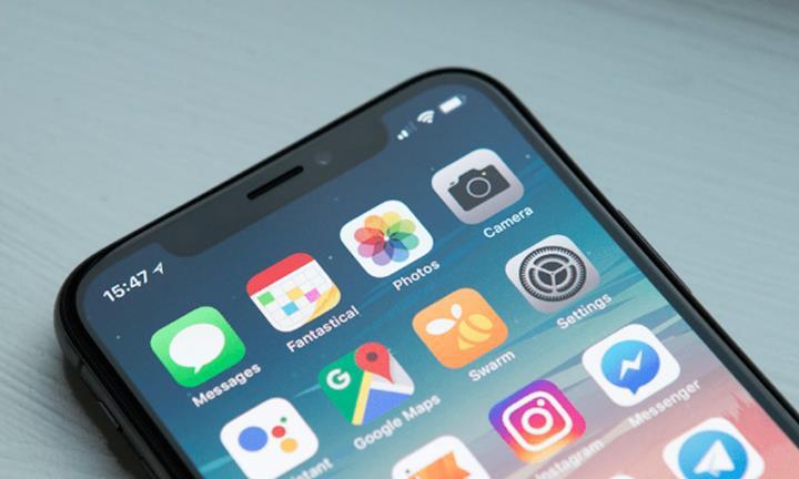 Apple, iPhone'lar için telsiz özelliğini rafa kaldırdı