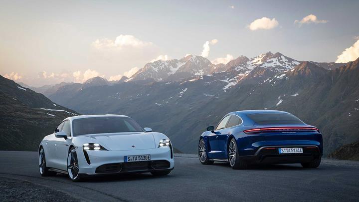 Porsche'nin ilk elektrikli otomobili Taycan tanıtıldı