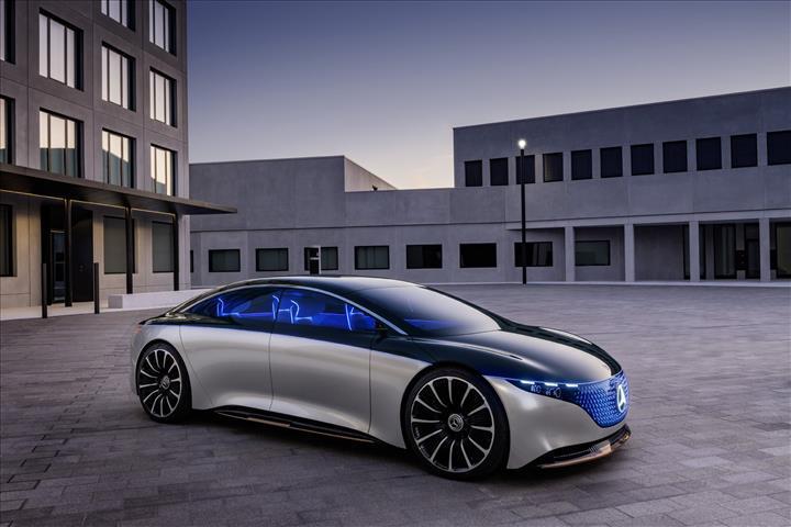 Mercedes-Benz Vision EQS konsepti tanıtıldı: Geleceğin elektrikli lüks sedanı