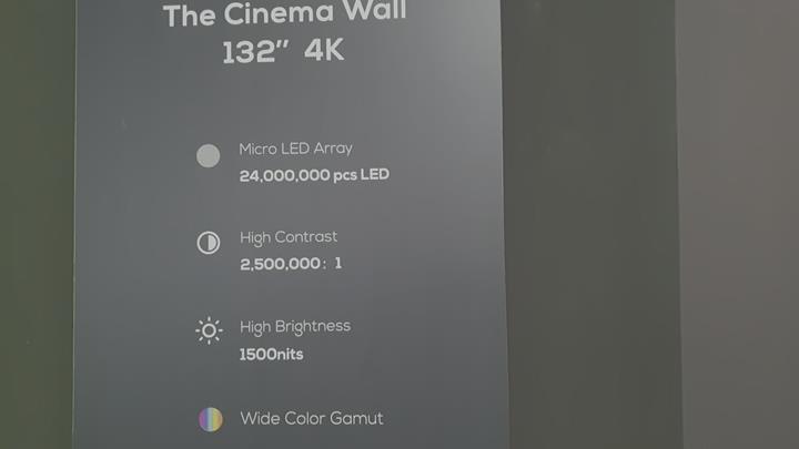 TCL 132'' Micro LED 4K UHDTV'sini sergiledi