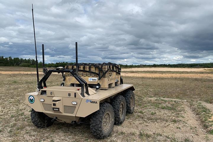 ABD ve İngiliz Silahlı Kuvvetleri, birlik ikmali için otonom araçları test ediyor