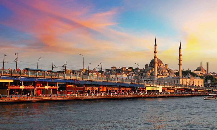 5.8'lik depremde hizmet kesintisine uğrayan Turkcell ve Türk Telekom'dan açıklama